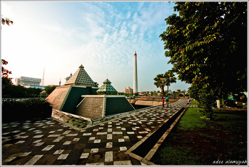 Museum dan Tugu Pahlawan Surabaya