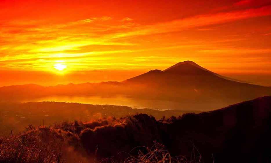 The wonderful sunrise of Bromo