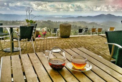 Enjoy tea at Malino highland
