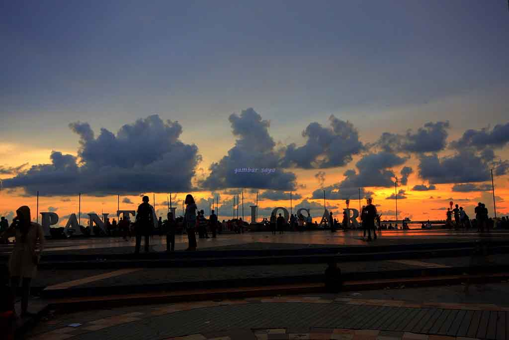 Losari - The iconic beach of Makassar