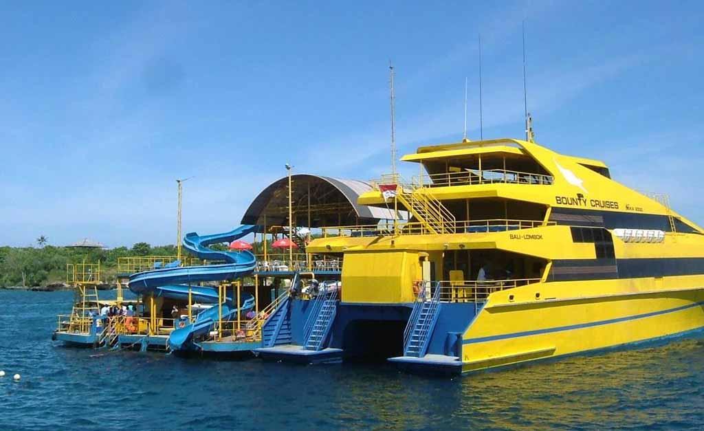 Cruise to Nusa Penida